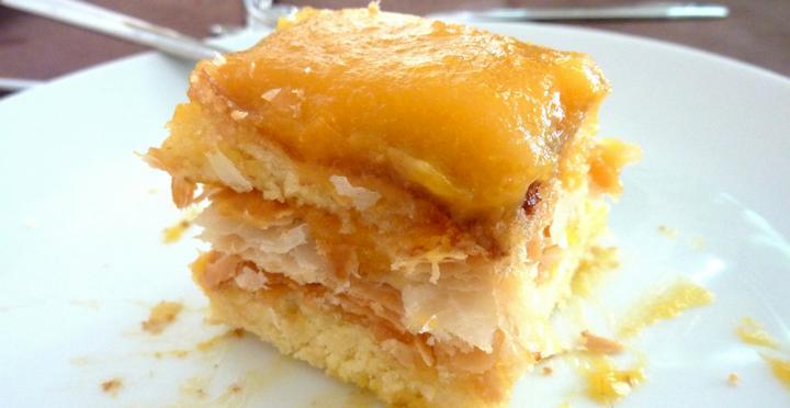 bolo-folhado-com -creme-ovos